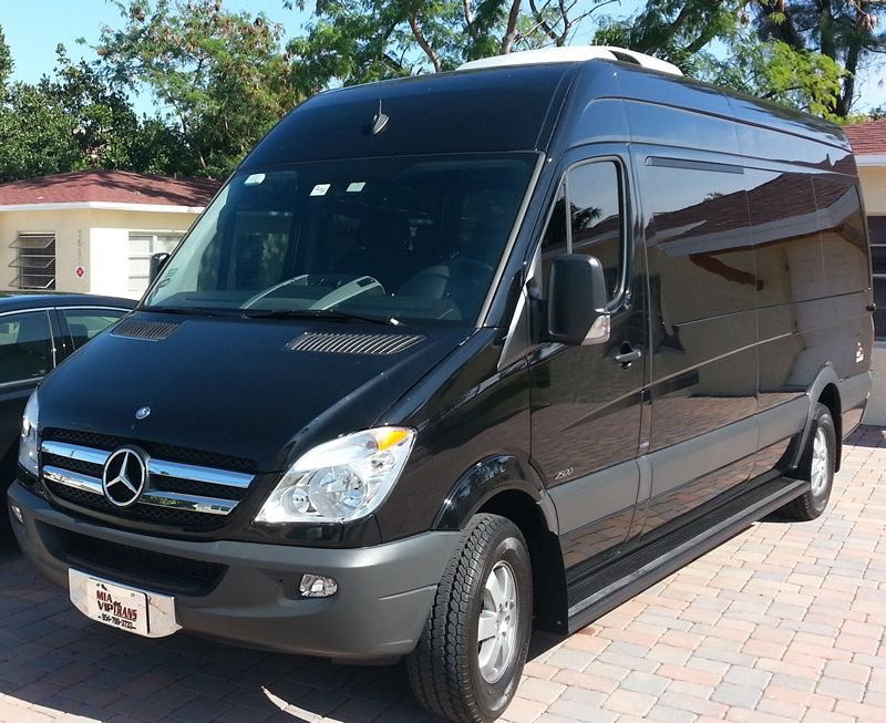 Executive Minubus Service in Miami